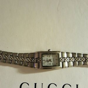 Gucci woman watch authentic